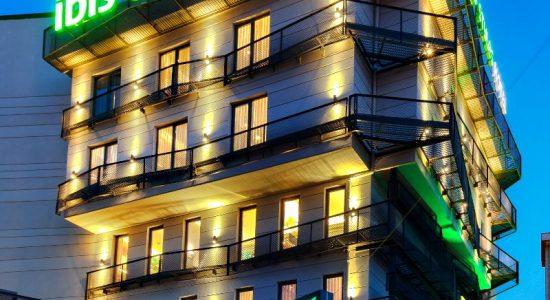 ibis-style-hotels-quan-ly-khach-san-sonasea-van-don